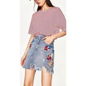 Zara Trafaluc  Distressed Denim Skirt Floral Med
